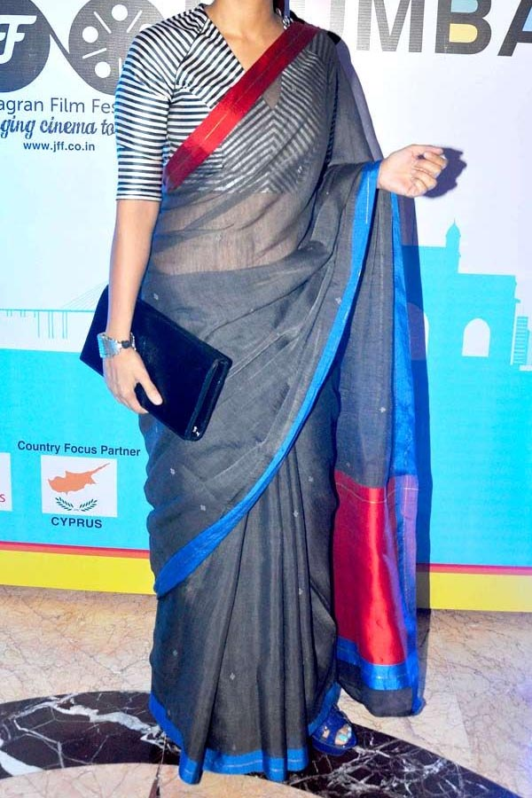 Grey Colored Traditional Silk Saree With Blouse For Women - CD572