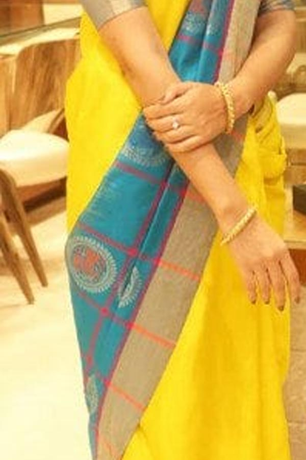 Yellow Colored Traditional Silk Saree With Blouse For Women - CD597