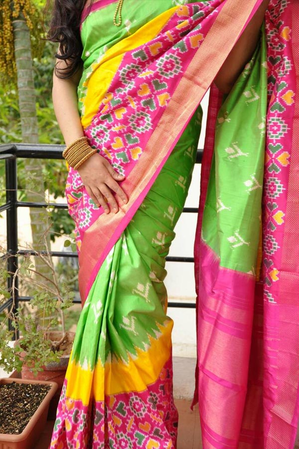 Green Colored Traditional Silk Saree With Blouse For Women - CD613
