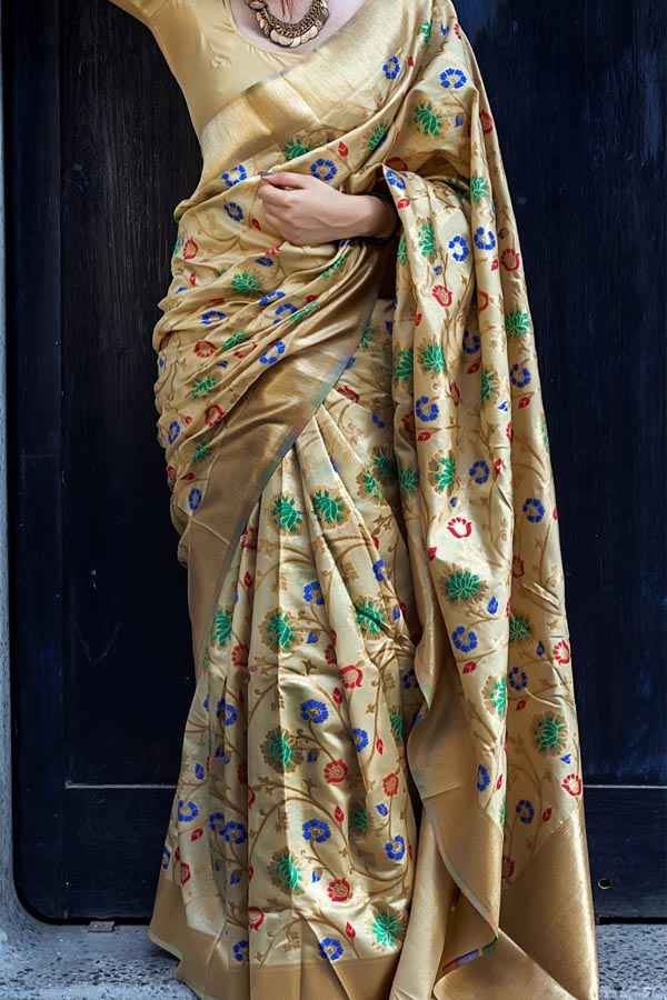 Beige Colored Traditional Silk Saree With Blouse For Women - CD622
