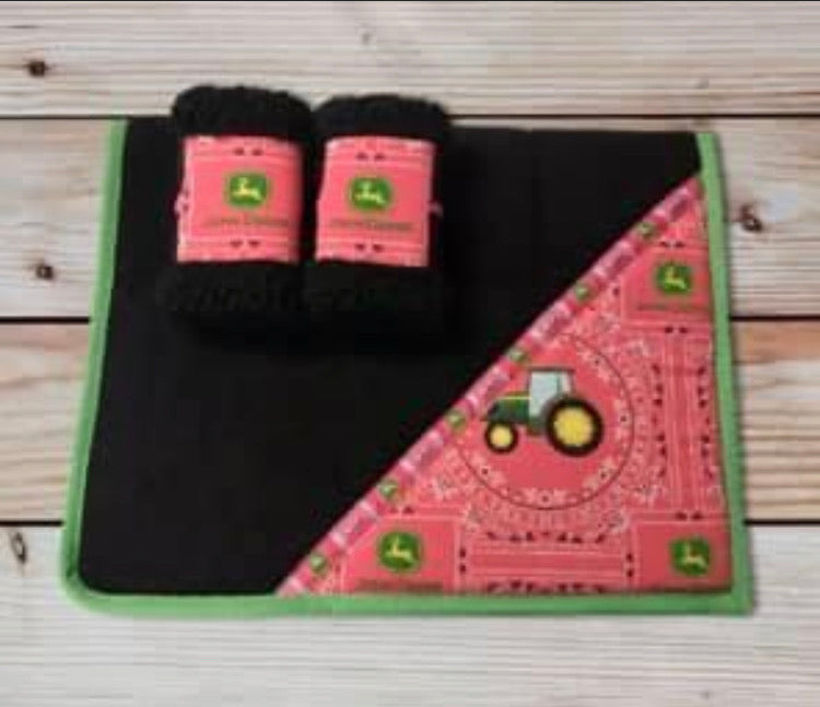 John Deere Saddlecloth Set