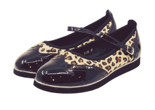 Load image into Gallery viewer, 7820L - Ladies Flat Dance Shoes in Leopard and Black with Memory Foam Innersole
