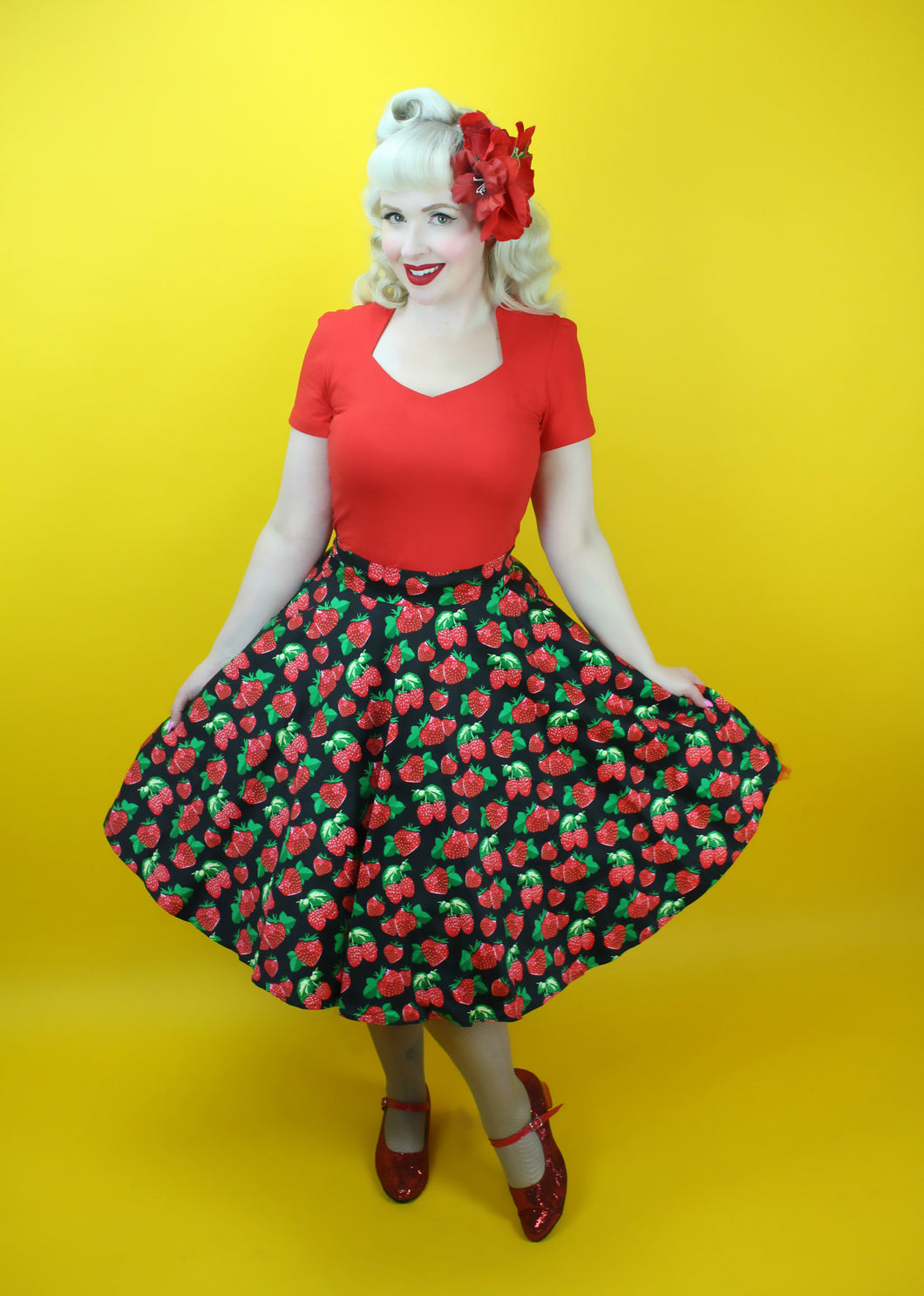 TP204R - Ladies Rockabilly Top in Red