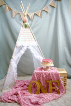 Load image into Gallery viewer, One year old cake smash photo shoot inspiration by LoveMeSparkle