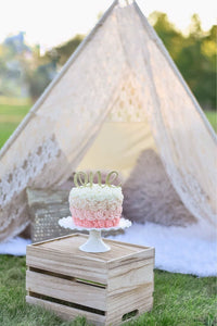 One year old cake smash photo shoot inspiration by LoveMeSparkle