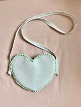 Load image into Gallery viewer, Heart Purse
