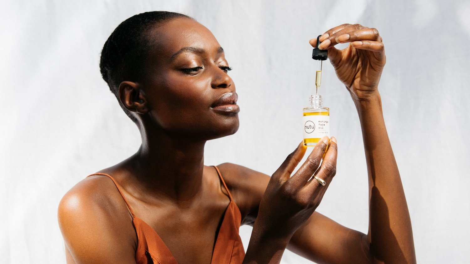Sustainable lifestyle brand Nutu moringa face oil at  PazLifestyle.com