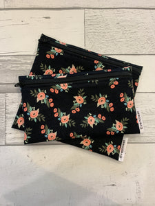 Small Black Bliss Floral Reusable Snack Bag Set