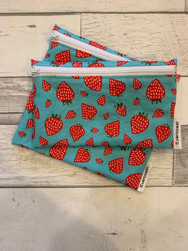 Strawberry Reusable Snack Bag Set