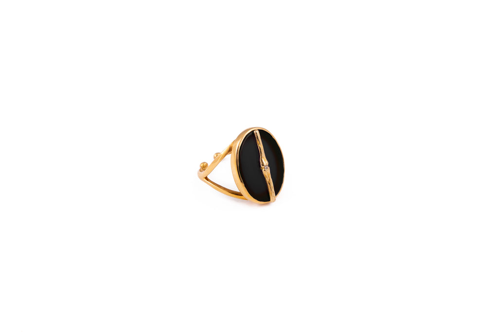 Ring with semi-precious oval stone - 001