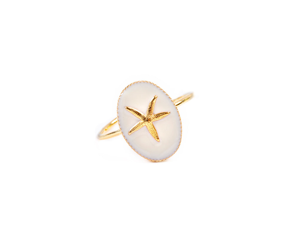 Open ring with enamelled medal and starfish - 002