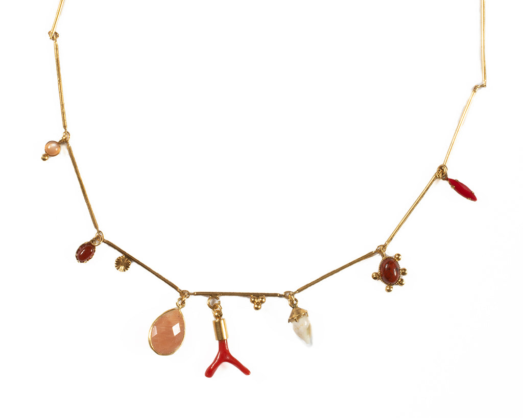 Necklace with semi-precious stones, coral and shells - 011