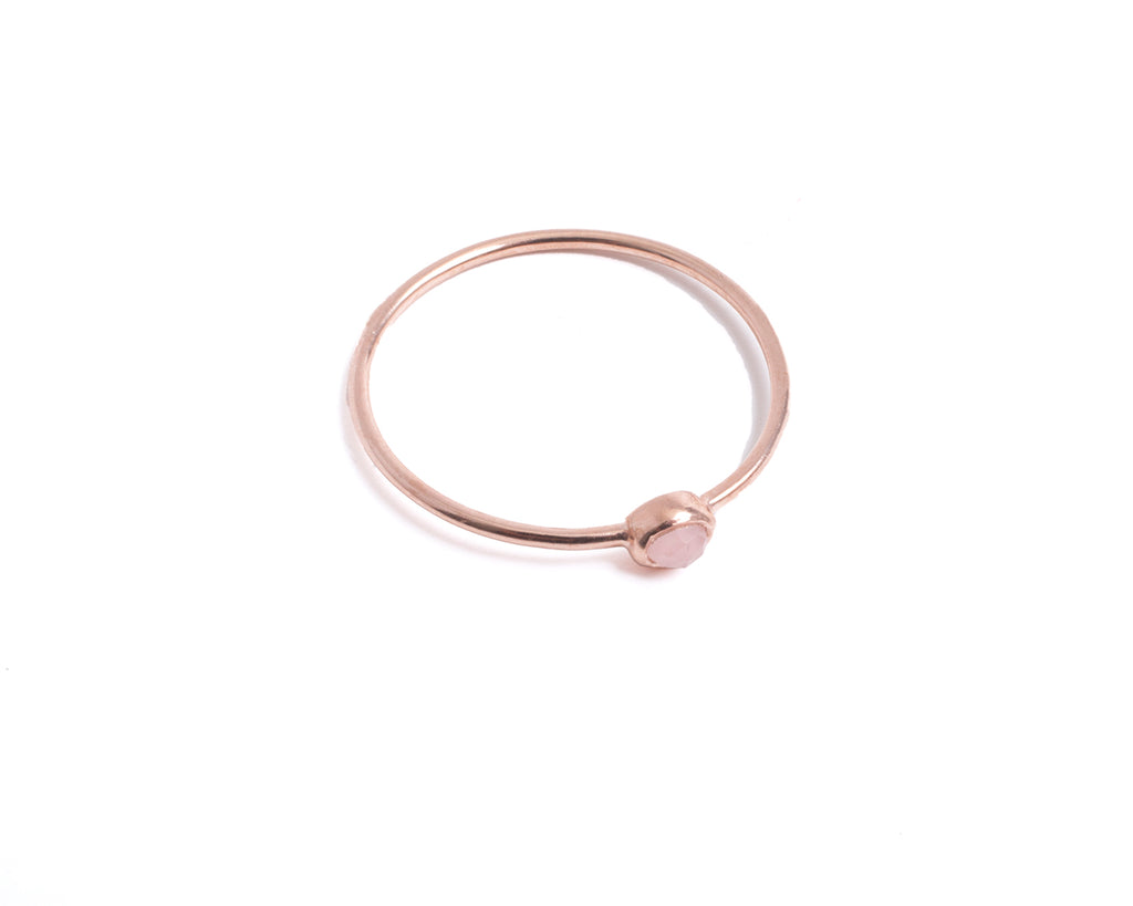 Thin ring with small semi-precious stone – 003