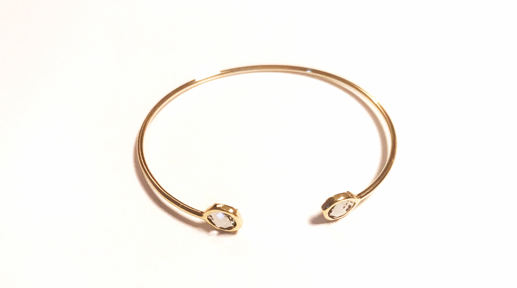 Rigid bracelet with two stones -001