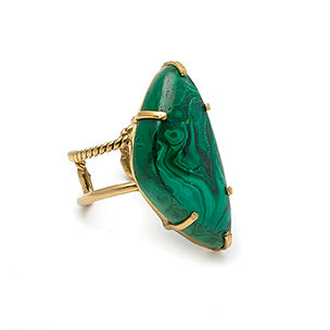 Ring with irregular semi-precious stone. The Malachite - 002