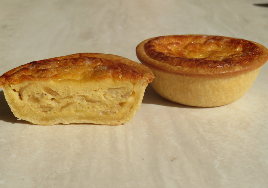 Caramelised Onion & Gruyere Quiche - (50G) Family (1.1Kg) - Kiss Kiss Artisan Foods