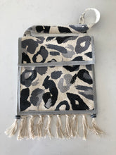 Load image into Gallery viewer, African Ombre Shoulder Bag
