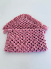 Load image into Gallery viewer, Dusty Pink Woven Clutch
