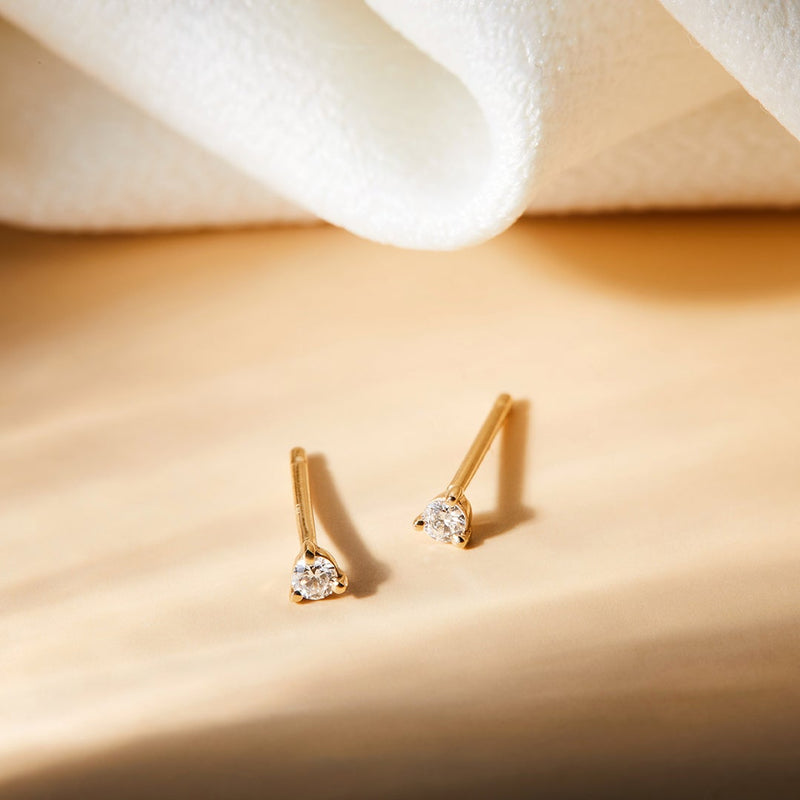 UNA | Single Diamond Mini Stud Earring