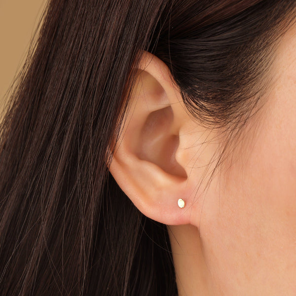LOIS | Single Curved Dot Stud