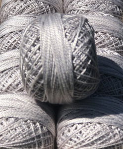 "Valdani Perlé Cotton Variegated: ""New Color"" O118  Shades of Gray"