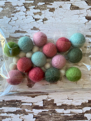 Modern Folk Art & Friends H&D Garland WOOL BALLS ONLY