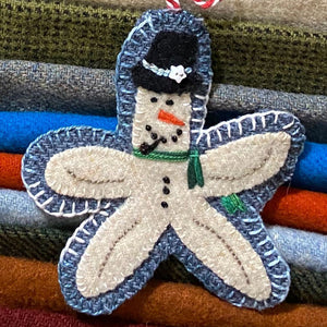 WOOL KIT W/ PRINTED PATTERN: Christmas By The Sea  - Starman