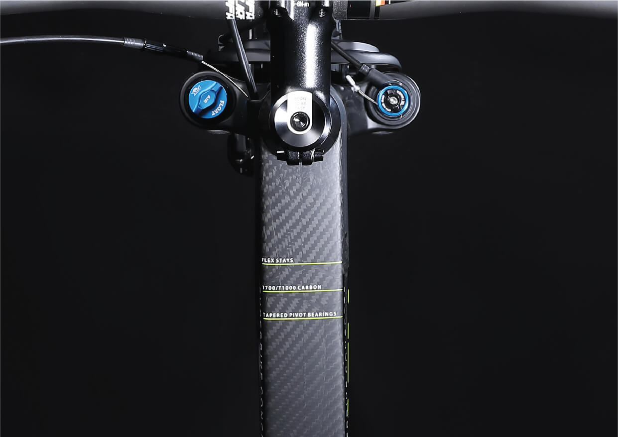 https://cdn.shopify.com/s/files/1/0082/4128/3143/files/stratos-carbon-type-carbon-speedlab.jpg?v=1595195685