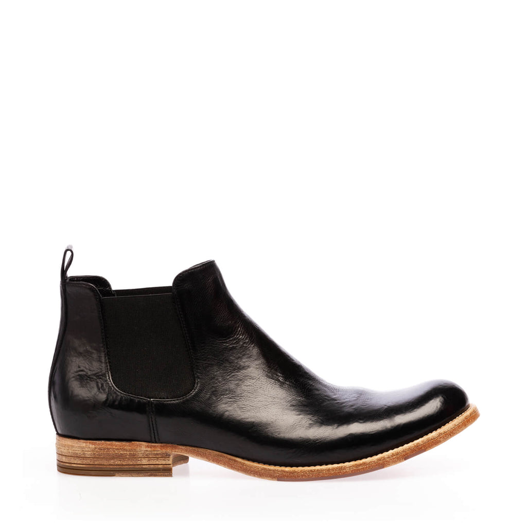 Black calfskin ankle boot with double side elastic