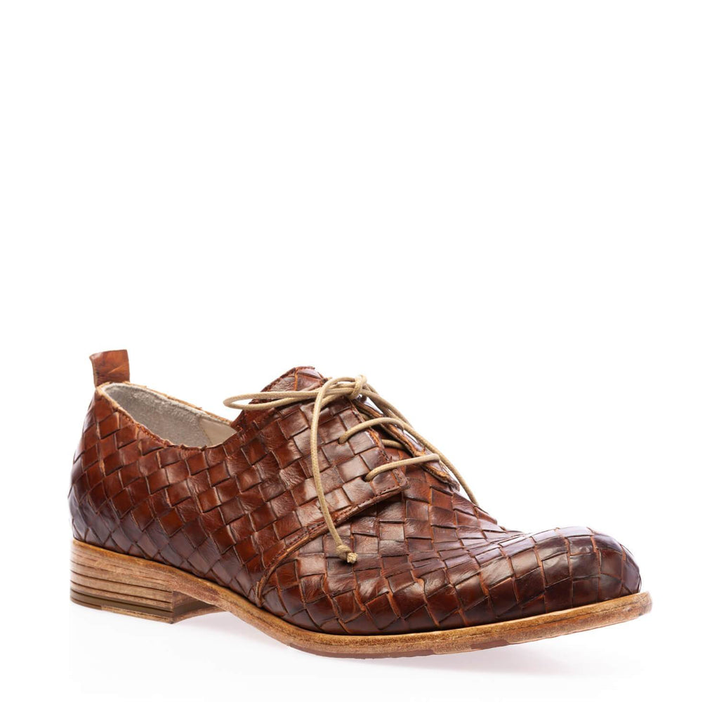 Brown calfskin low braided lace-up shoe