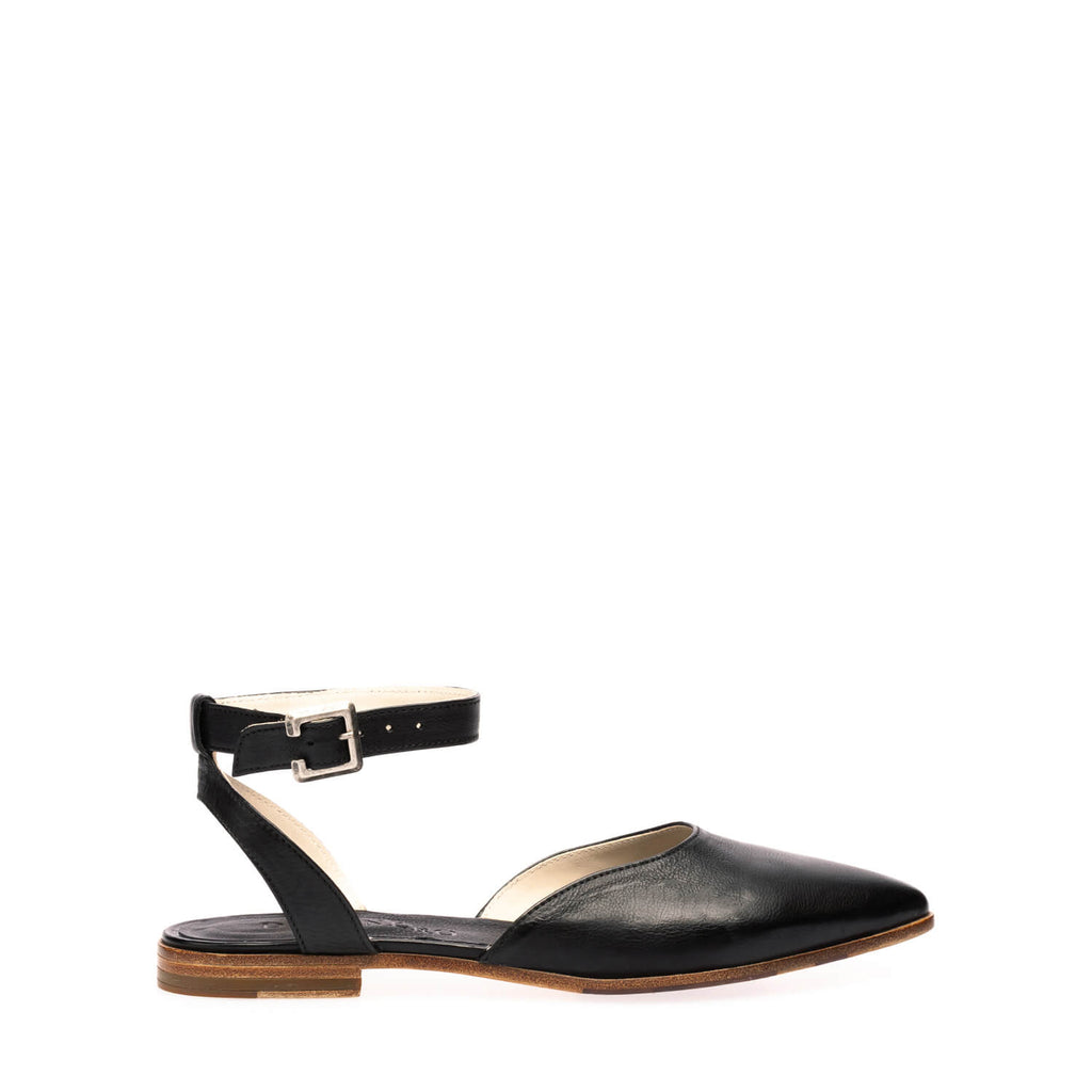 Black calfskin ballerina with ankle strap