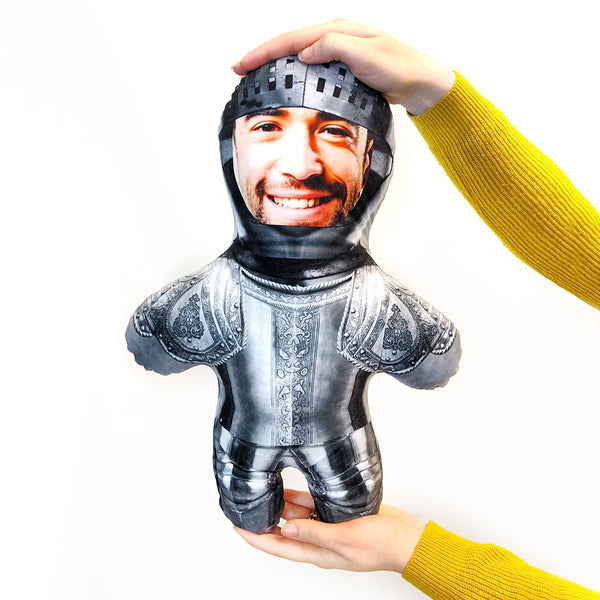 knight in armour mini me doll