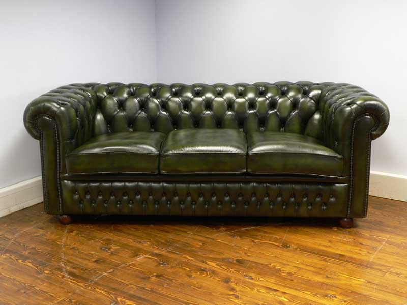 Buckingham Bed Settee Chesterfield