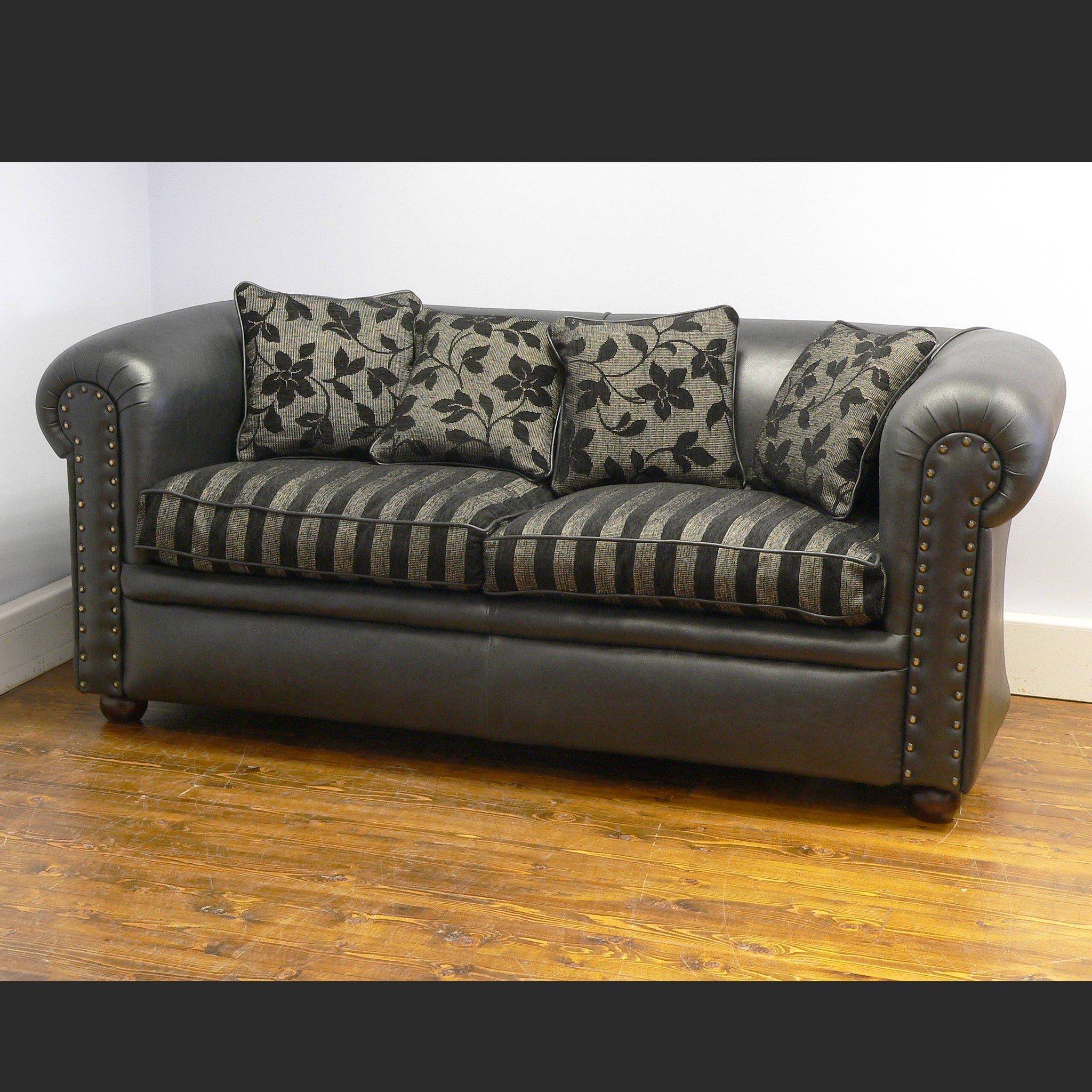 Regency Plain Chesterfield