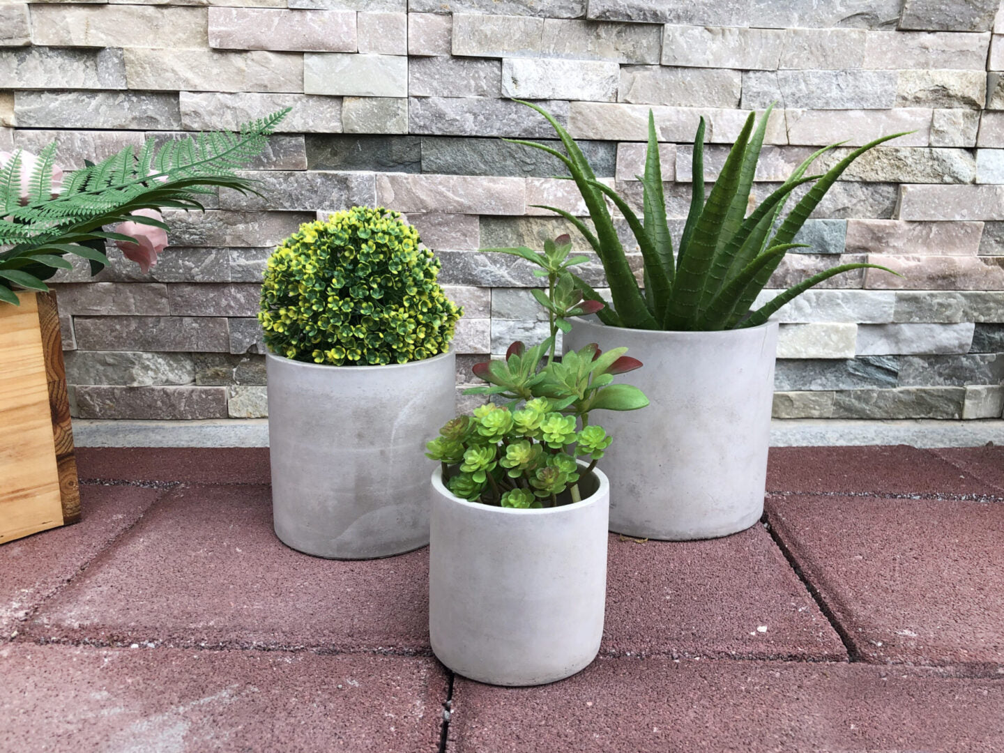 Essential Cylinder Cement Pot