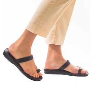 Eden - Leather Toe Ring Minimalist Sandal | Brown
