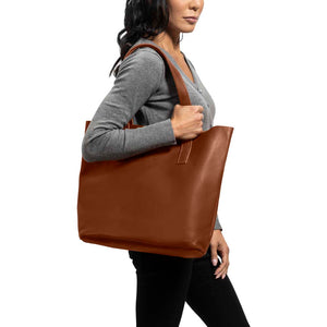 Classic Tote Leather Bag in Honey color - model view