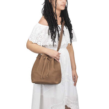 Load image into Gallery viewer, handmade Leather Bucket Bag brown - model view