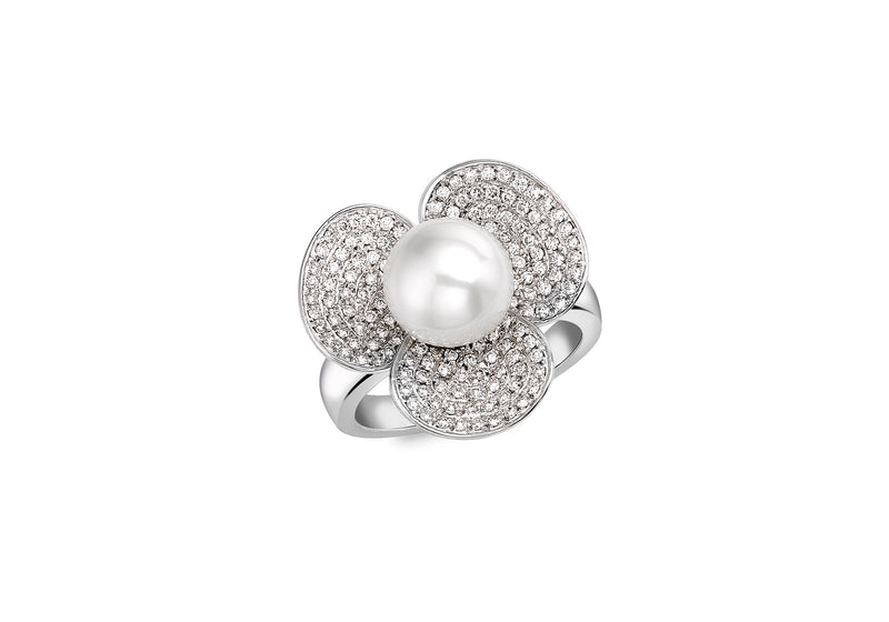 18ct White Gold 0.75t Diamond and Pearl Flower Ring