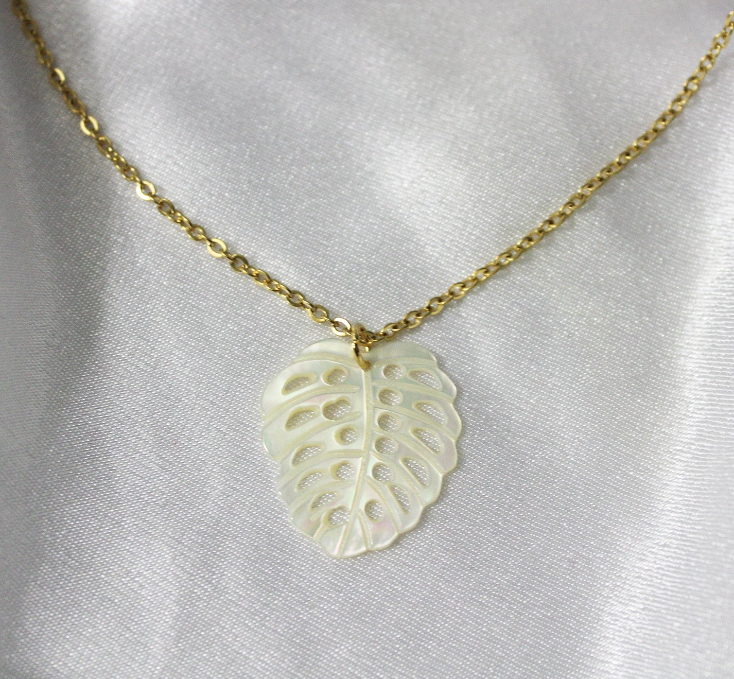 MOTHER OF PEARL CHAIN