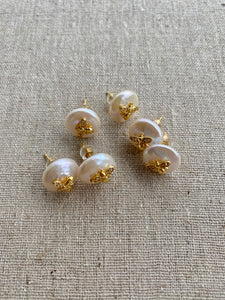 Little Bees on Pearls
