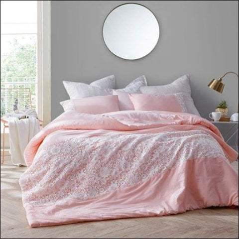 BYB White Lace Comforter - Rose Quartz - Byourbed 0843249161466