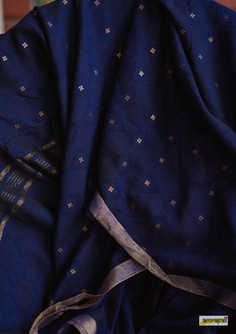 Pure Mercerised Cotton in Jacquard Weave with Woven Sequins