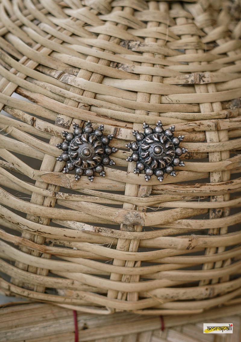 Dual-toned Sun-inspired Statement Studs