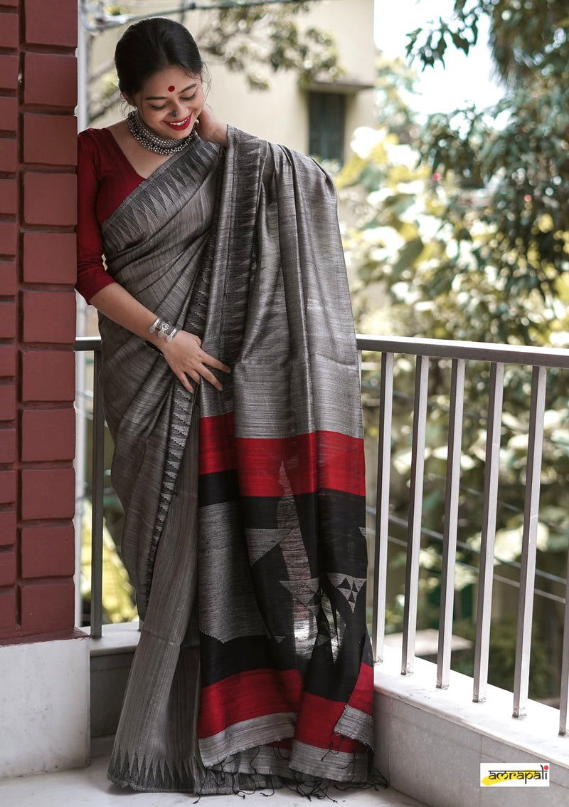 Handwoven Pure Matka Jamdani with Temple Border