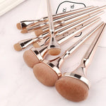 Muselot's rose gold makeup brushes set. Made with synthetic hairs, these professional makeup brushes help you buff, blend, and everything in between. Brush sets for eye, face, contour, foundation, conceal and highlight.