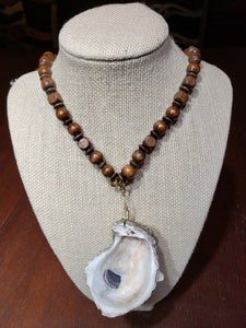 Wood Oyster Necklace - The Look By Lucy