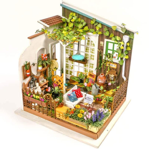 Miniature House : Miller's Garden with LED light