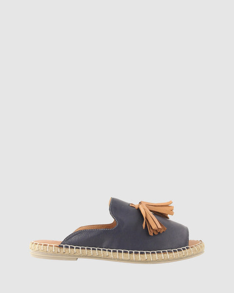 Bueno - Keilor Slide - Navy w Coconut Tassle