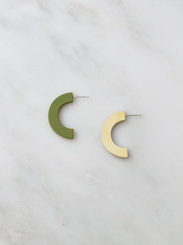 Arc Stud Earrings, Pistachio / Eggshell